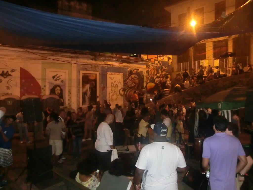 Samba night in Pedra dio Sal. Photo from Rio & Learn www.rioandlearn.com