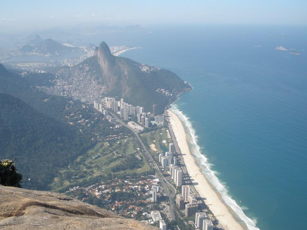 The view from Pedra da Gávea.
